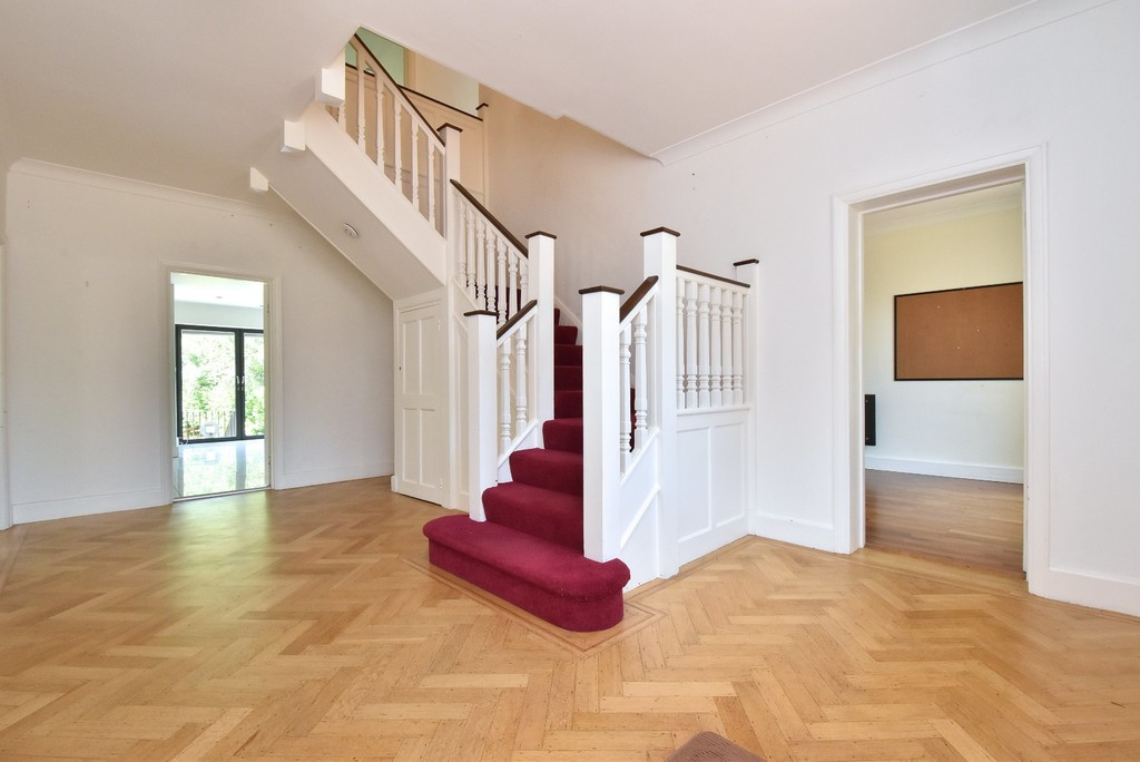 5 bed house for sale 3