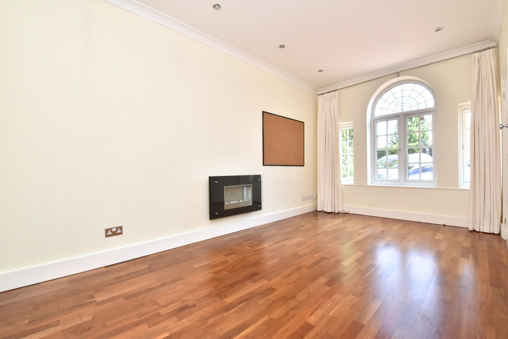 5 bed house for sale  - Property Image 5