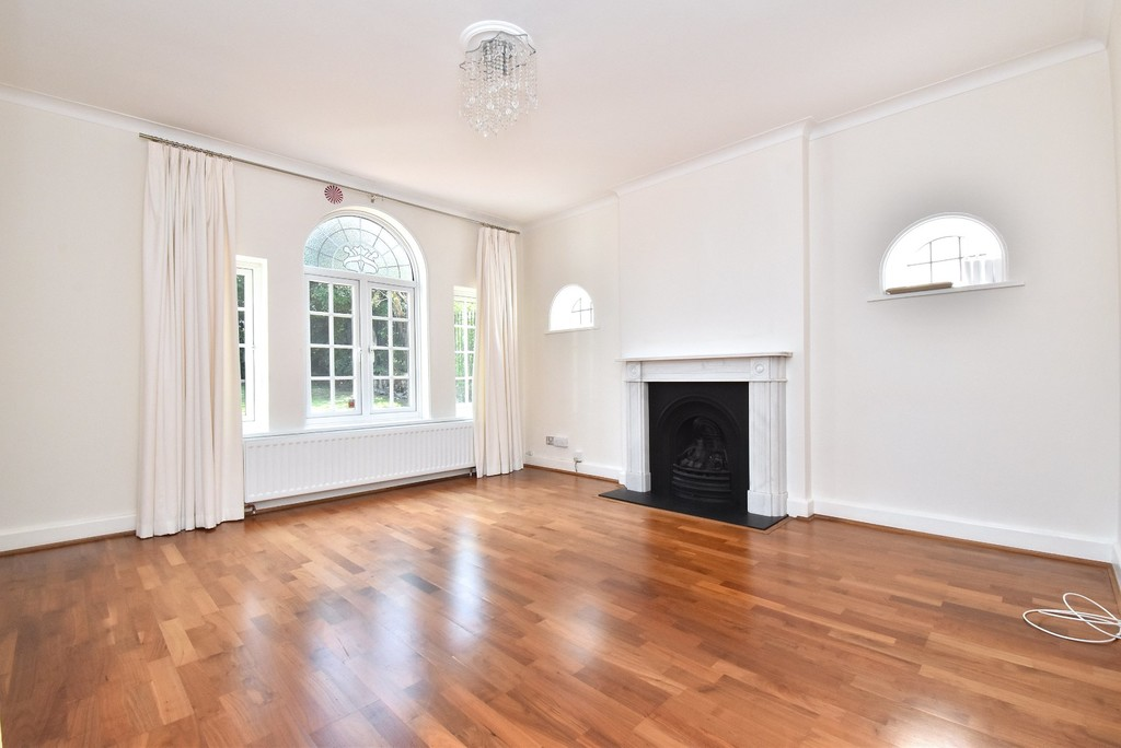 5 bed house for sale  - Property Image 7