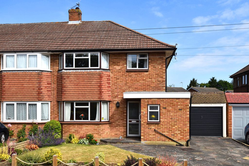3 bed house for sale in Red Oak Close, Locksbottom, BR6