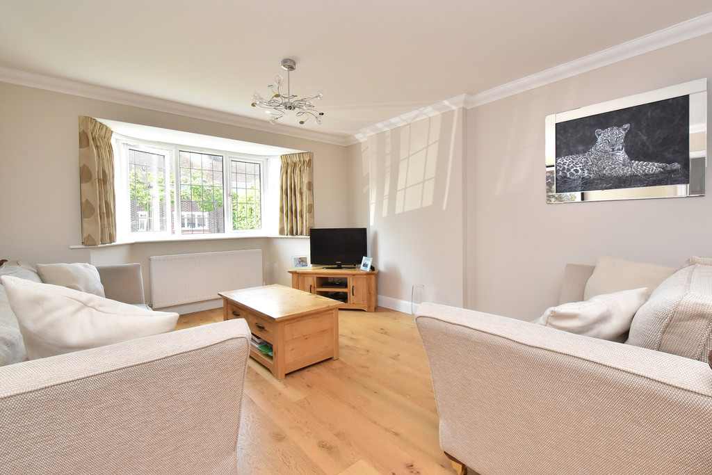 4 bed house for sale in Southbourne, Bromley  - Property Image 2
