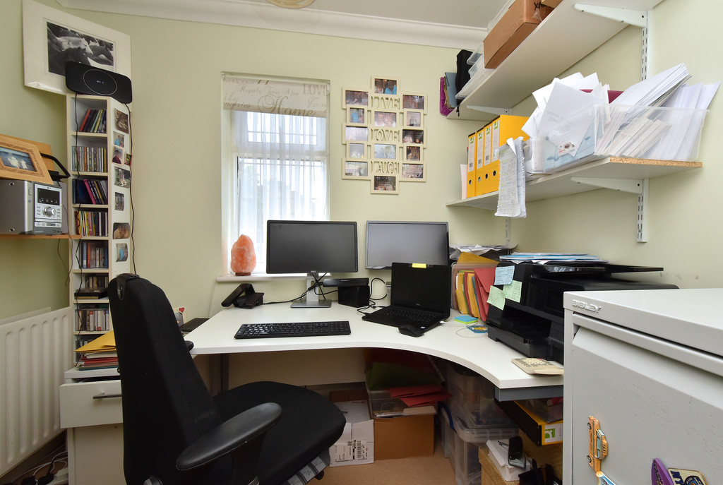 4 bed house for sale in Southbourne, Bromley 12