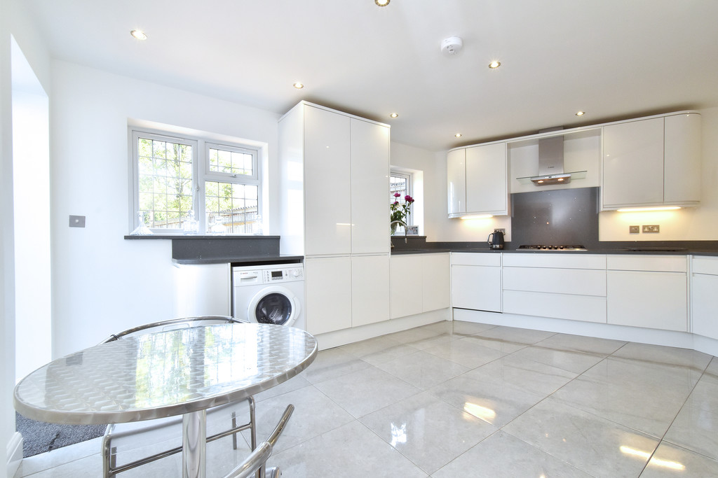 4 bed house for sale in Southbourne, Bromley  - Property Image 6