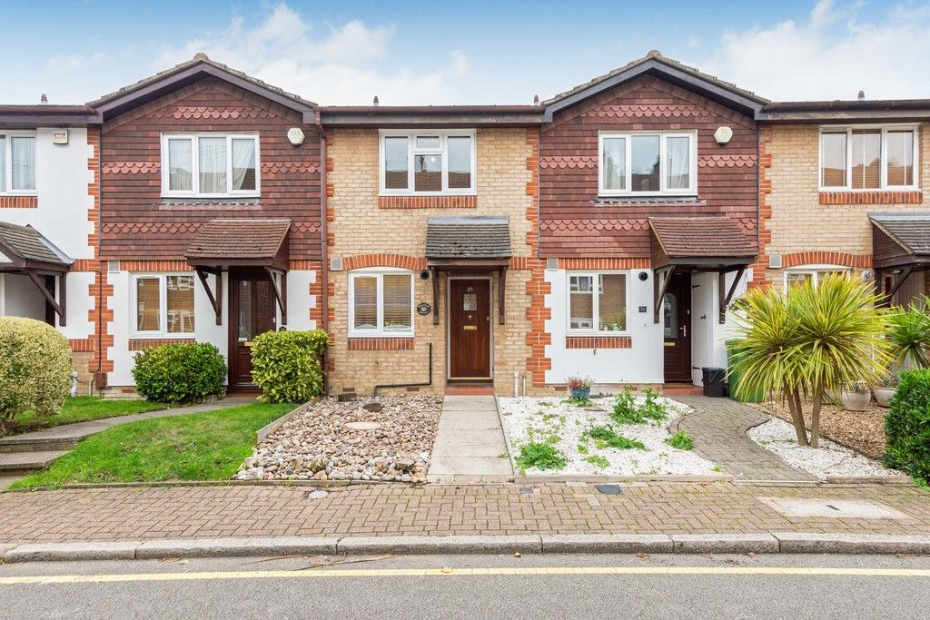 2 bed house to rent in Wharton Road, Bromley - Property Image 1