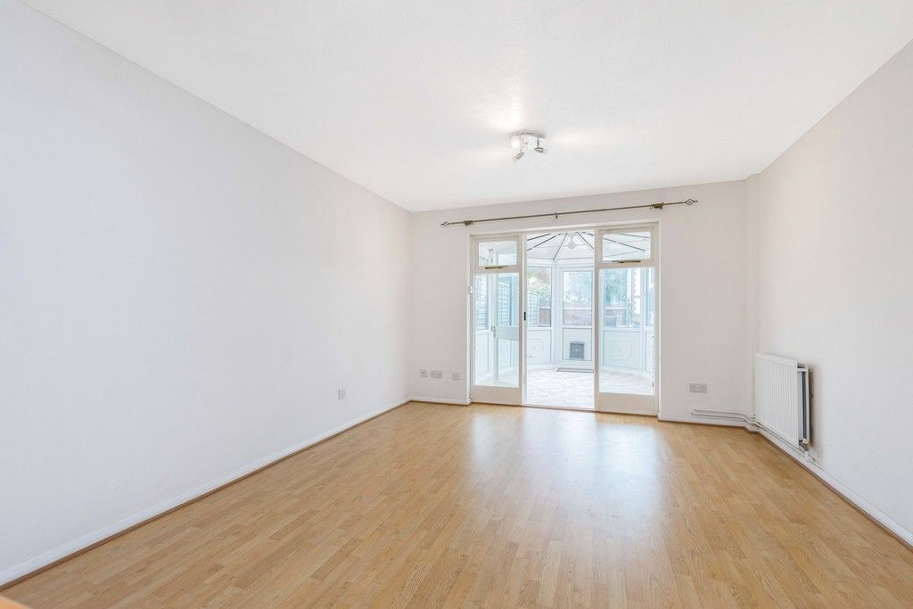 2 bed house to rent in Wharton Road, Bromley 4