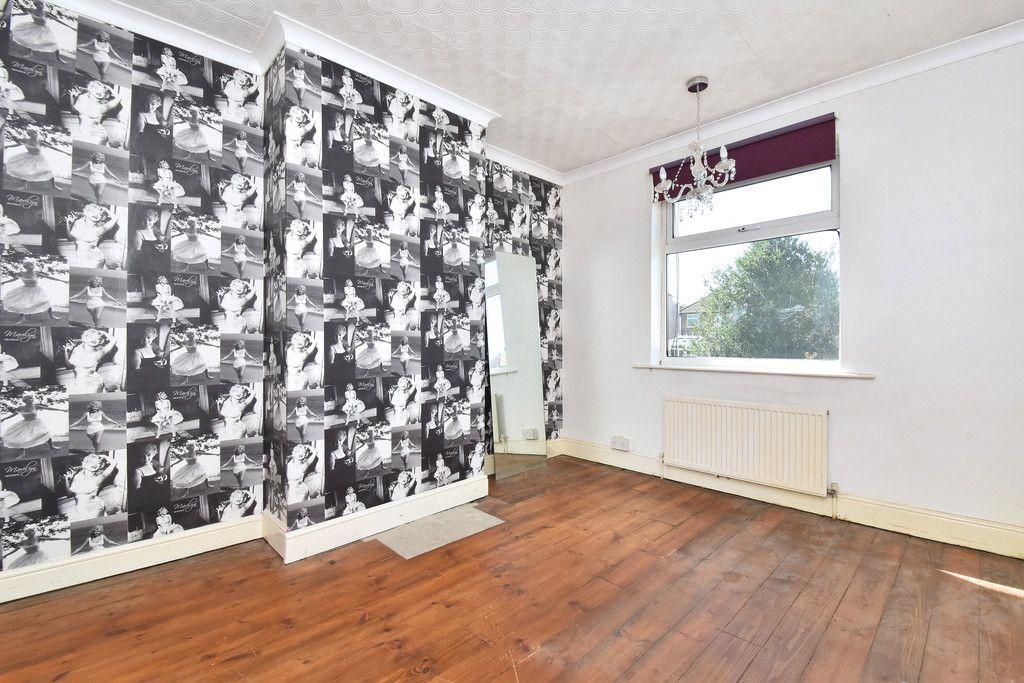 4 bed house for sale in Princes Road, Dartford 7