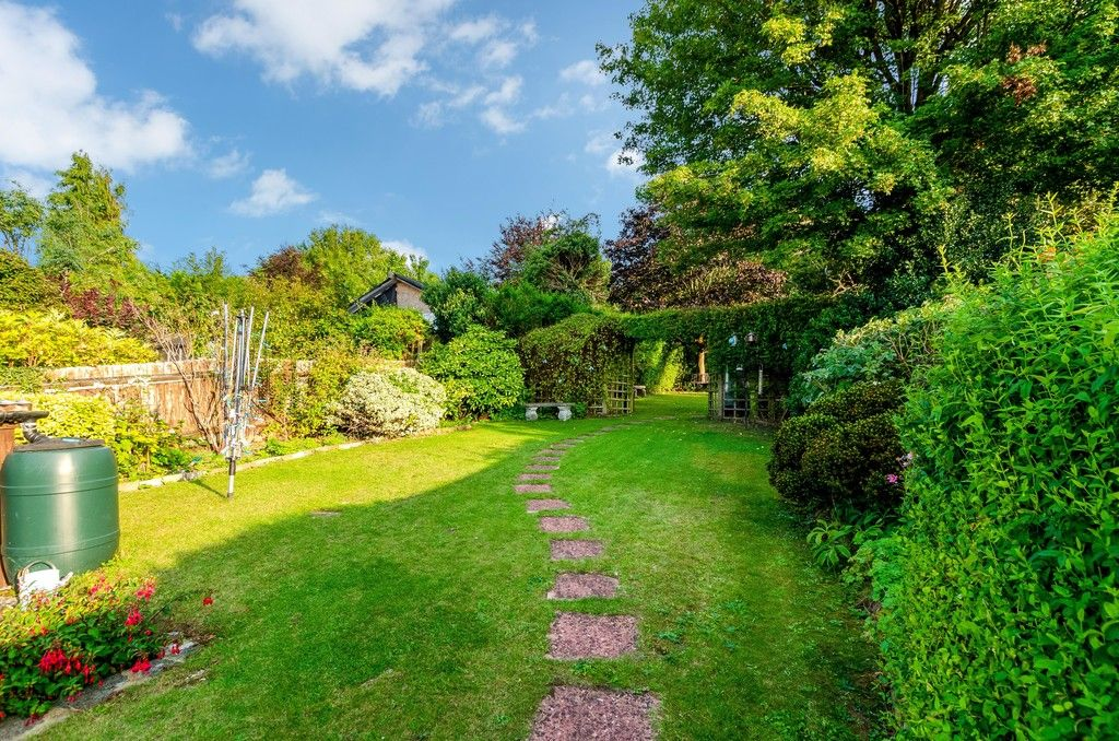 4 bed house for sale in High Beeches  - Property Image 15