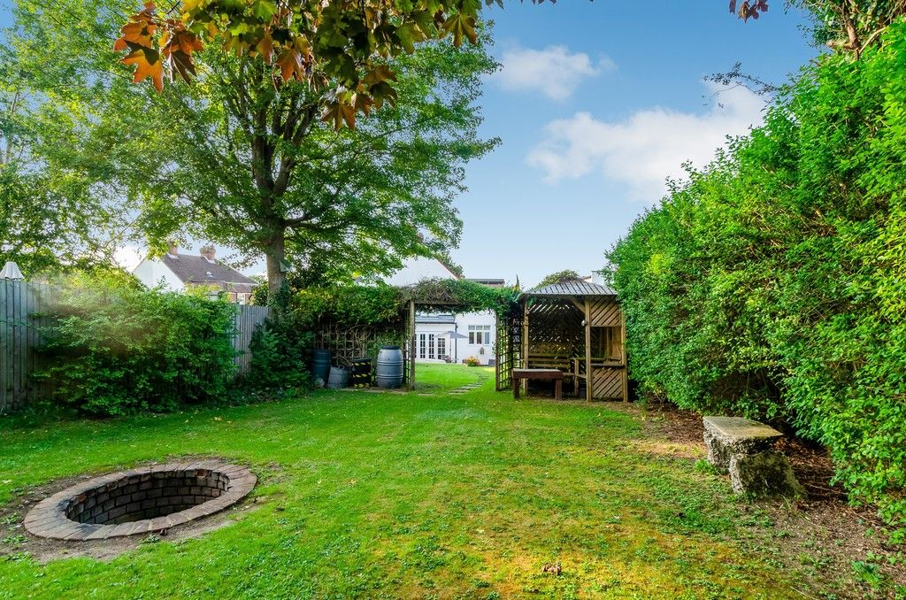 4 bed house for sale in High Beeches 17