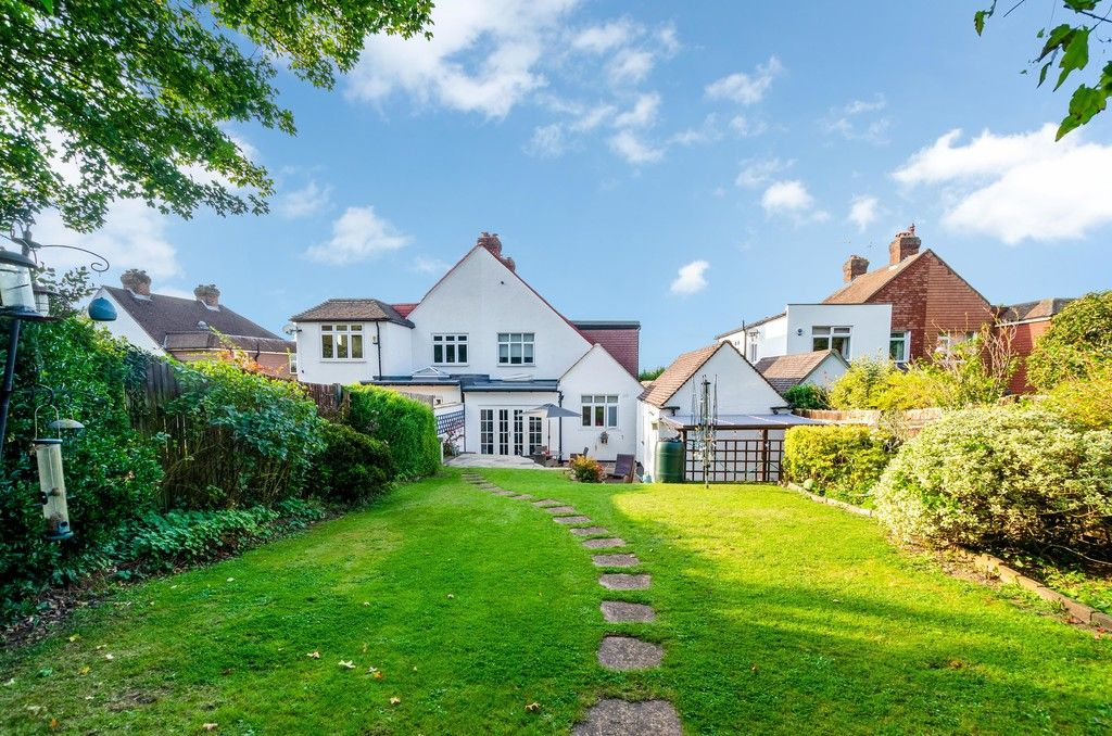 4 bed house for sale in High Beeches 19