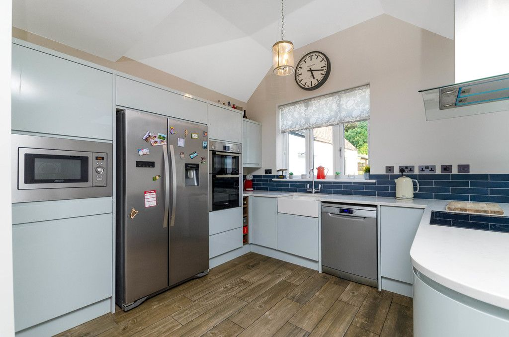 4 bed house for sale in High Beeches 7