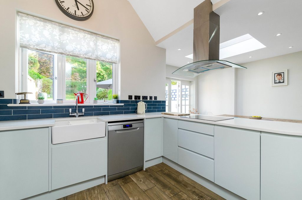 4 bed house for sale in High Beeches 8