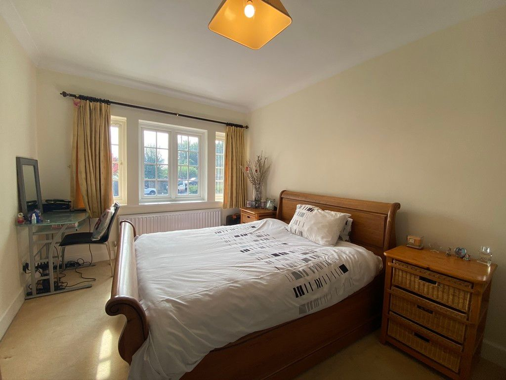 5 bed house to rent in Stone Road, Bromley 12