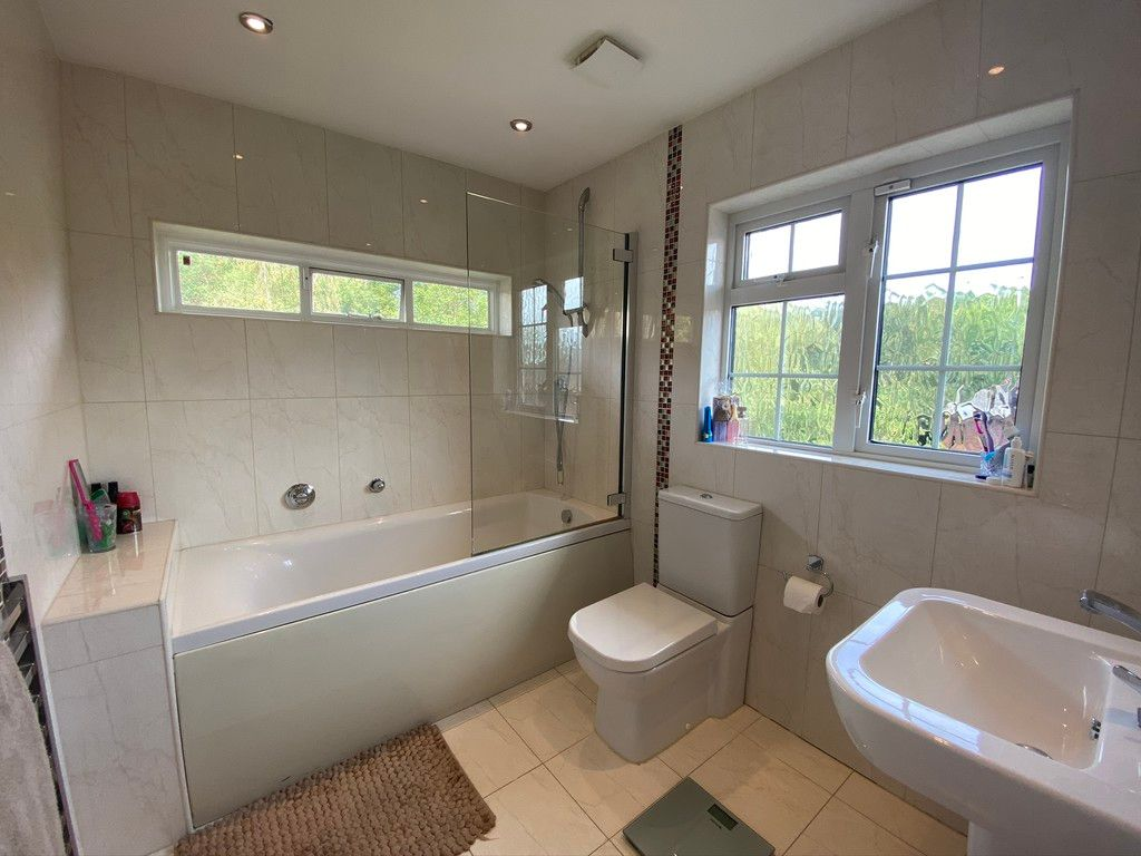 5 bed house to rent in Stone Road, Bromley 13