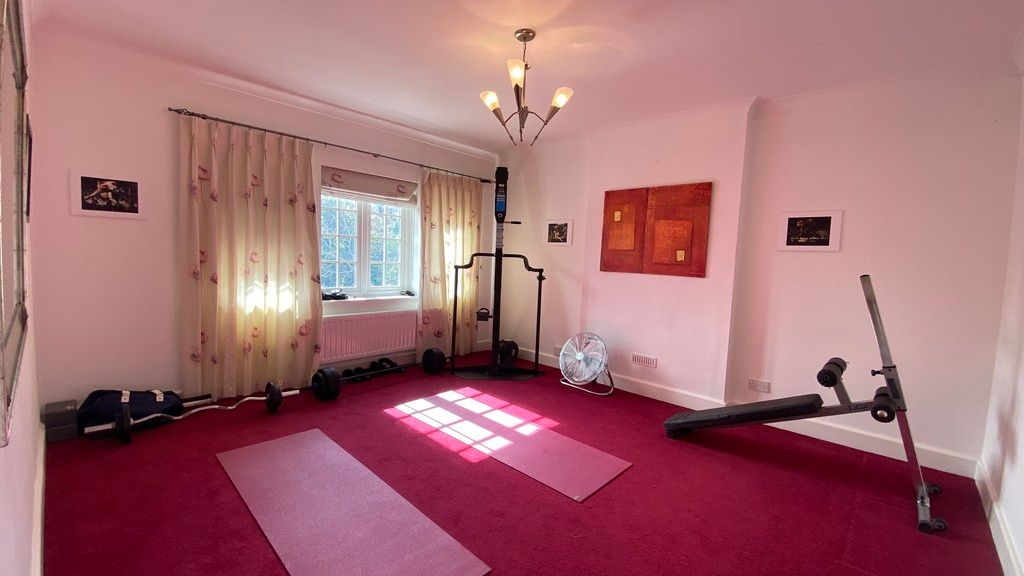5 bed house to rent in Stone Road, Bromley 10