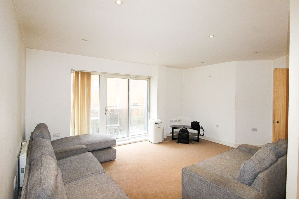 1 bed flat for sale in Catalpa Court , London 3