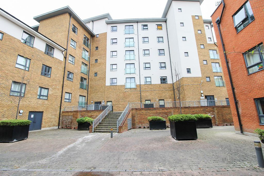 1 bed flat for sale in Catalpa Court , London 8