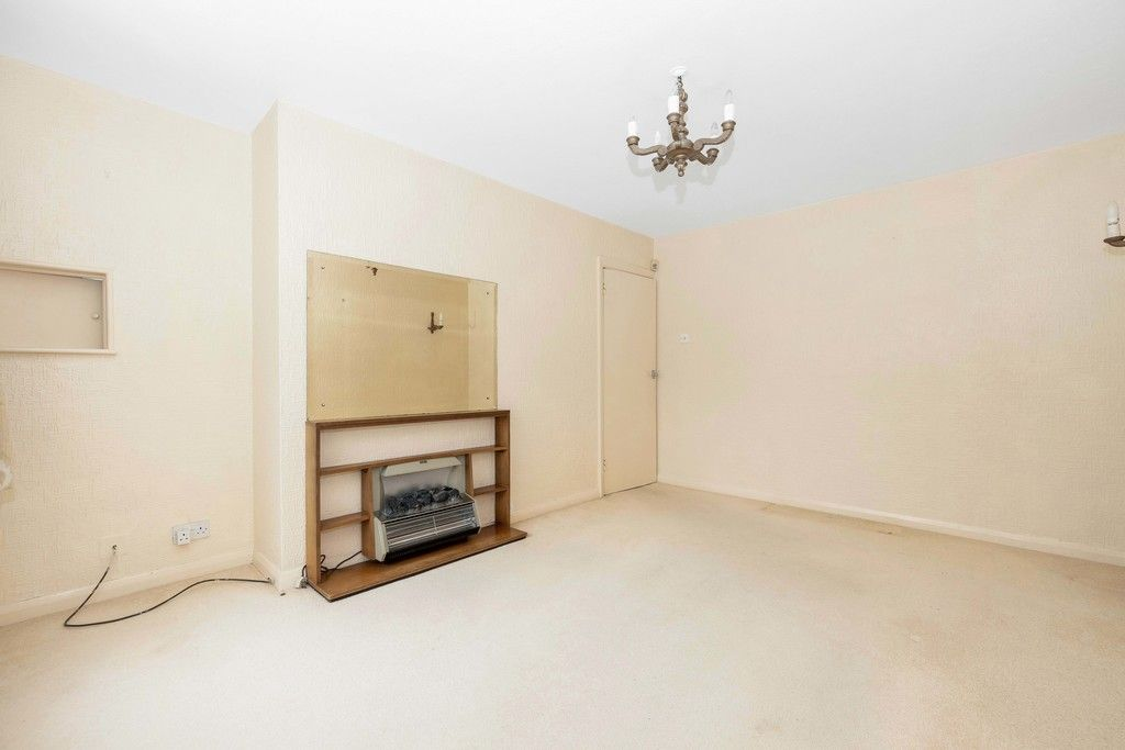 2 bed flat for sale in Brook Lane, Bromley 4