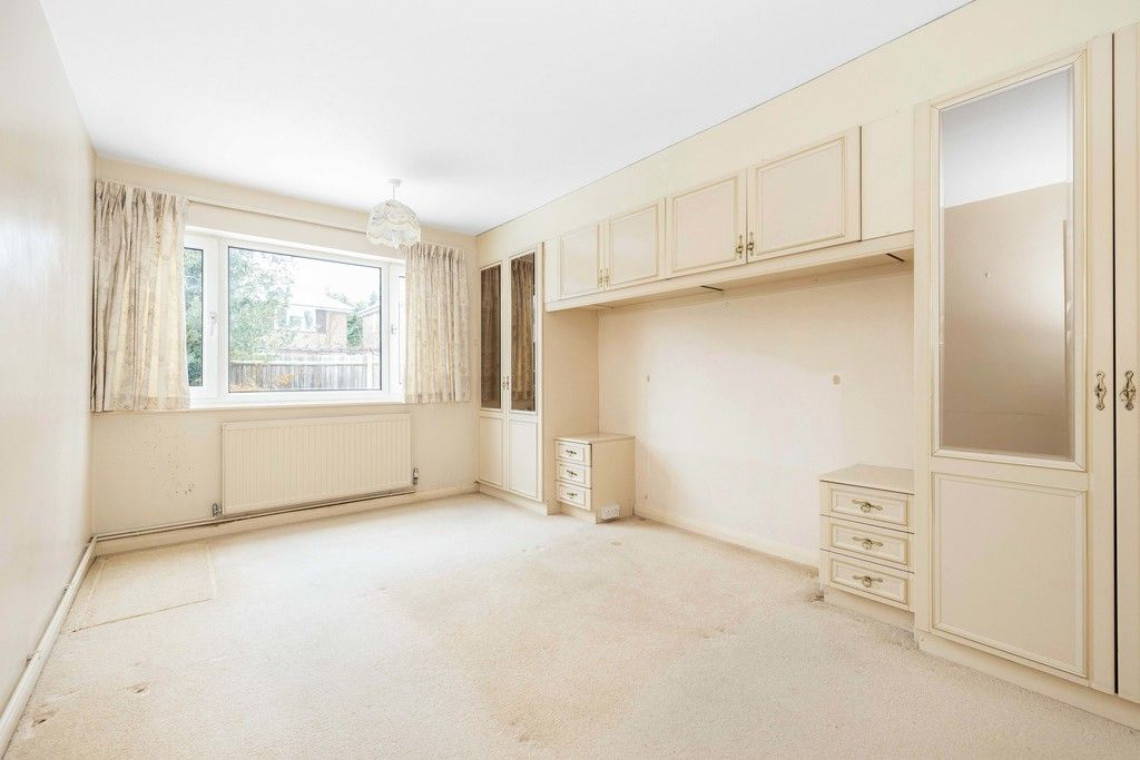 2 bed flat for sale in Brook Lane, Bromley 7