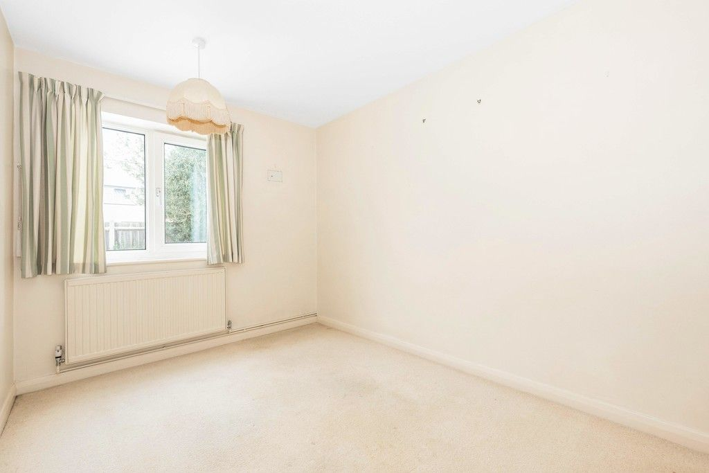2 bed flat for sale in Brook Lane, Bromley 10