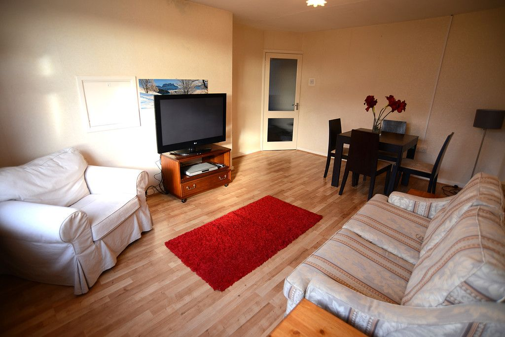 2 bed flat for sale in Tredwell Close, Bromley 2