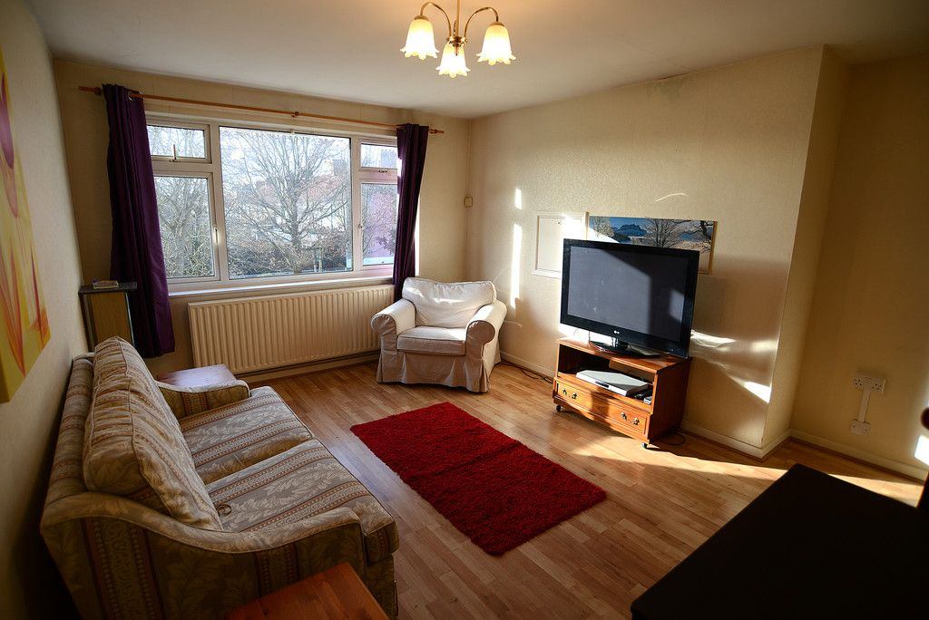 2 bed flat for sale in Tredwell Close, Bromley 4