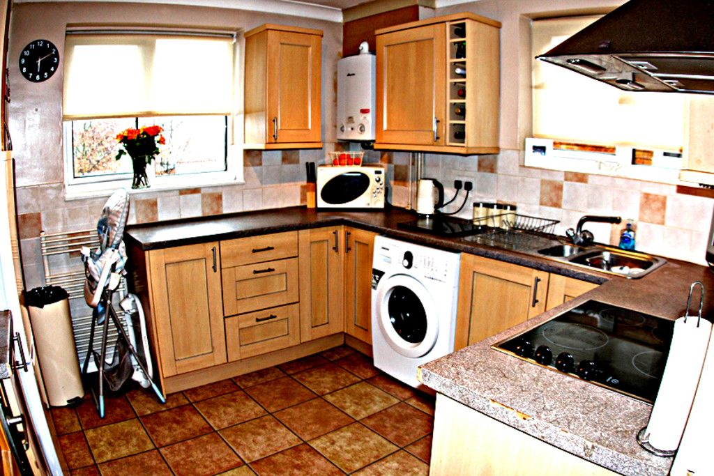 2 bed flat for sale in Tredwell Close, Bromley  - Property Image 6