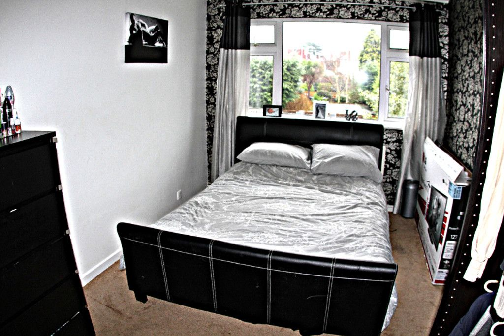2 bed flat for sale in Tredwell Close, Bromley  - Property Image 7
