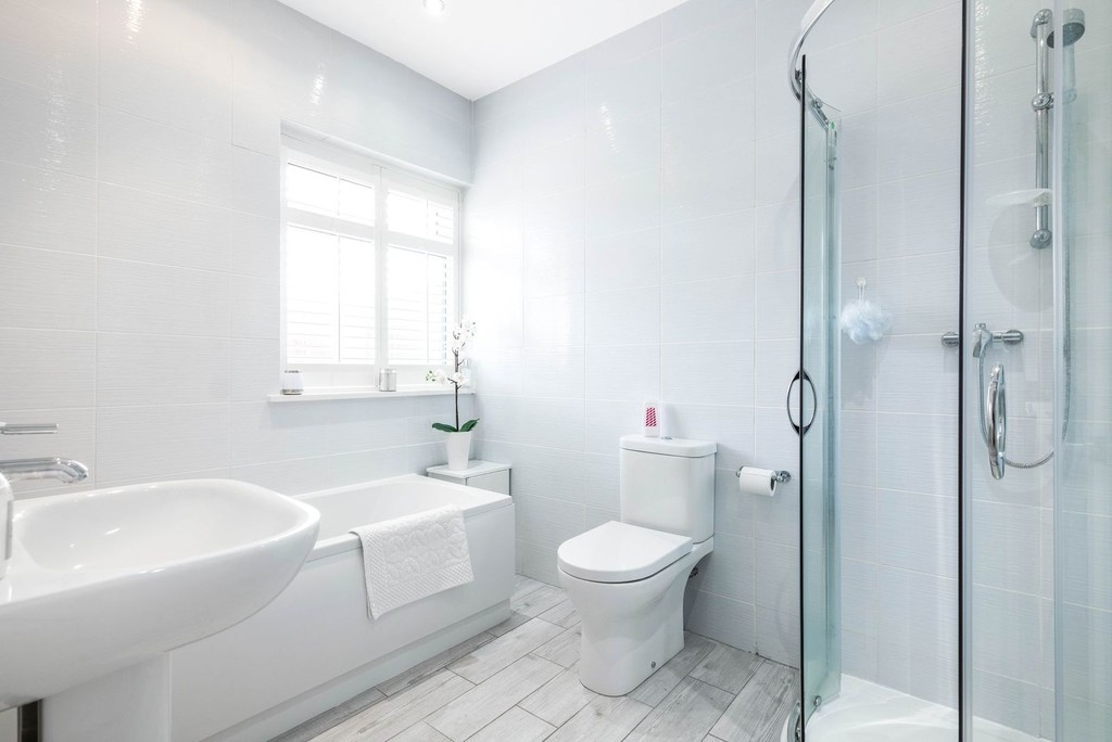 3 bed house for sale in McCall Crescent 6