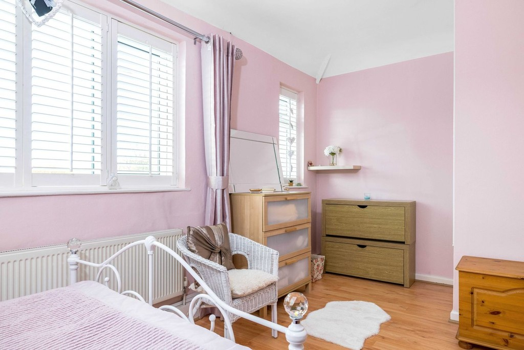 3 bed house for sale in McCall Crescent 10
