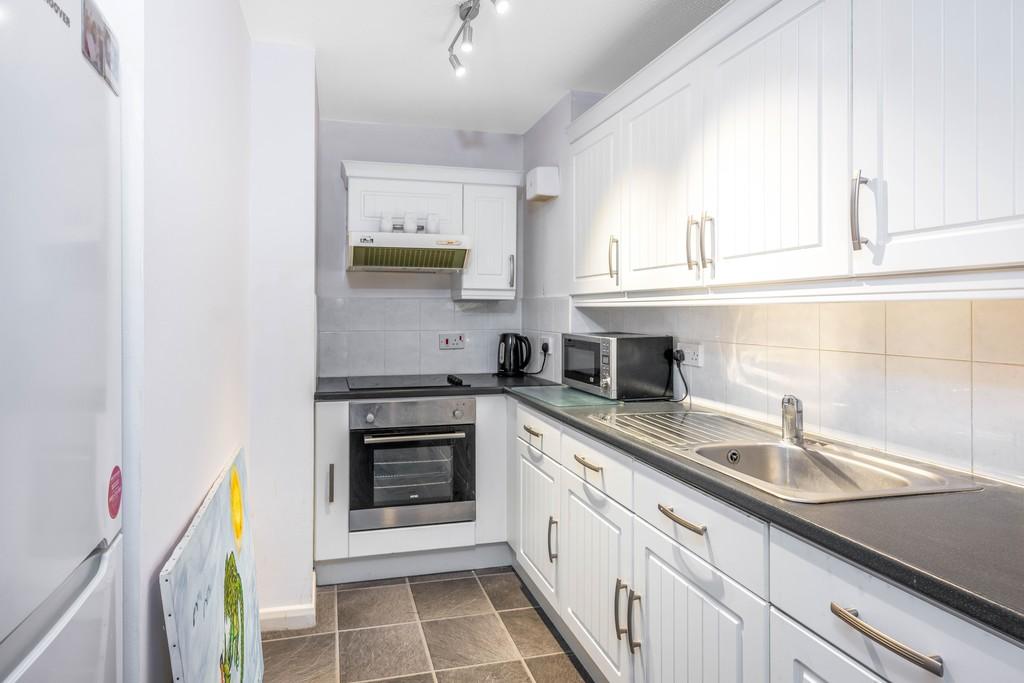Flat for sale in Deer Park Way, West Wickham  - Property Image 11
