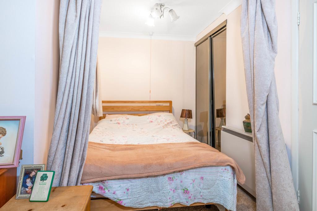 Flat for sale in Deer Park Way, West Wickham  - Property Image 14