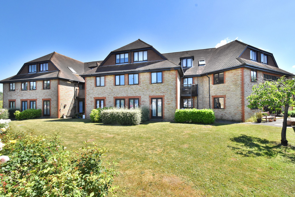 Flat for sale in Deer Park Way, West Wickham  - Property Image 3