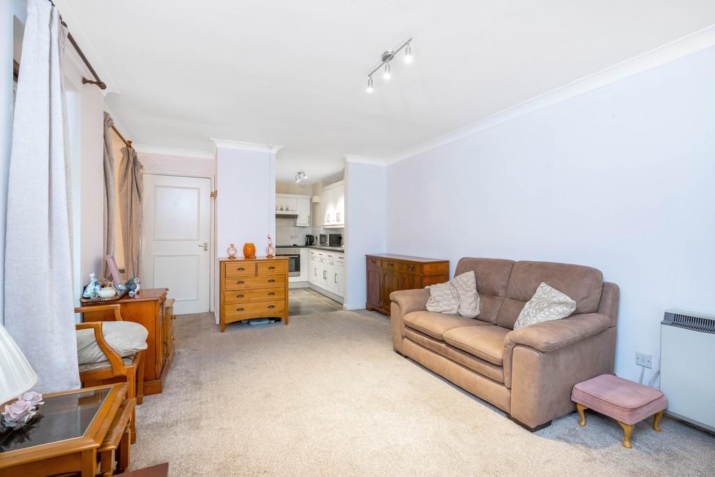 Flat for sale in Deer Park Way, West Wickham 6