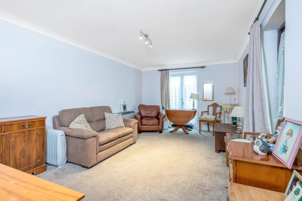 Flat for sale in Deer Park Way, West Wickham  - Property Image 7