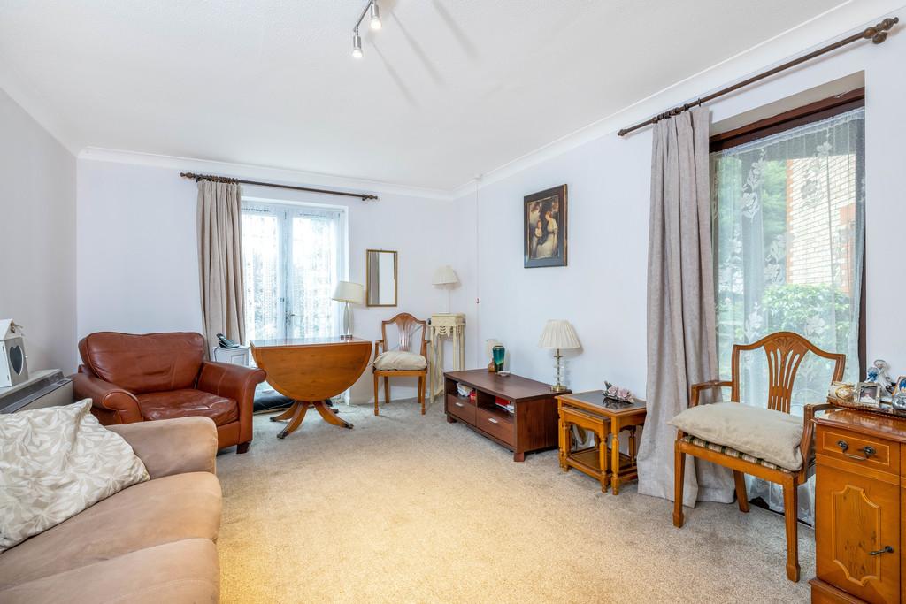 Flat for sale in Deer Park Way, West Wickham  - Property Image 9