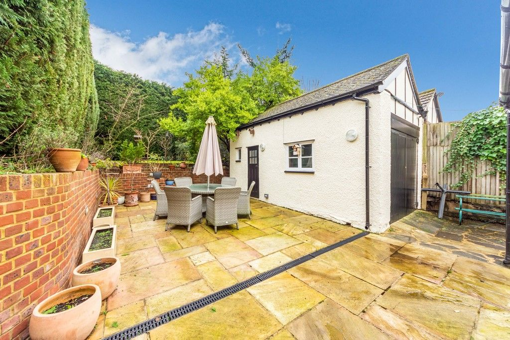 4 bed house for sale in Farnaby Road, Bromley 2