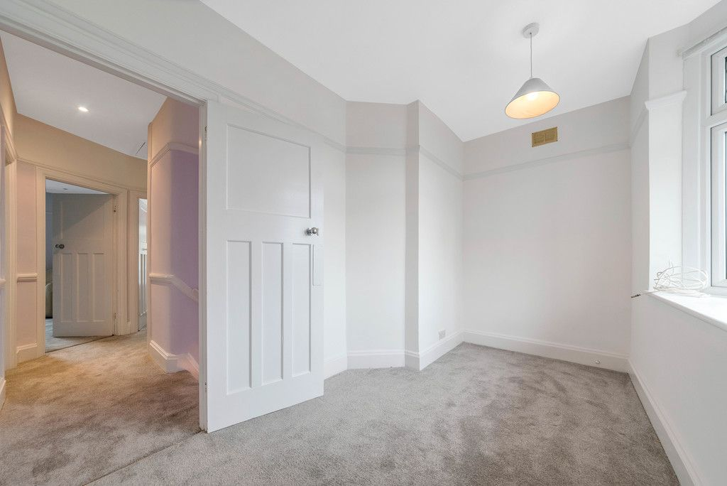 4 bed house for sale in Farnaby Road, Bromley 16
