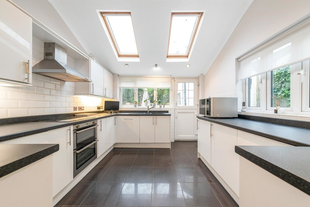 4 bed house for sale in Farnaby Road, Bromley  - Property Image 6