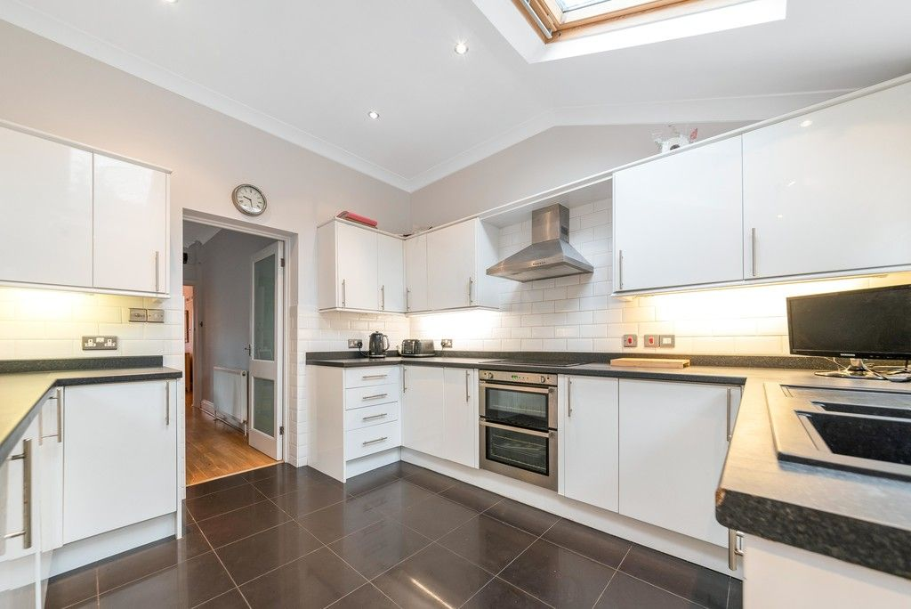 4 bed house for sale in Farnaby Road, Bromley 7