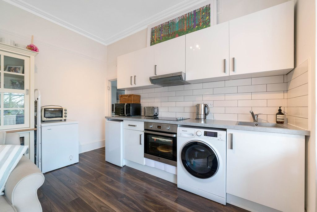 1 bed flat for sale in Rodway Road, Bromley 5