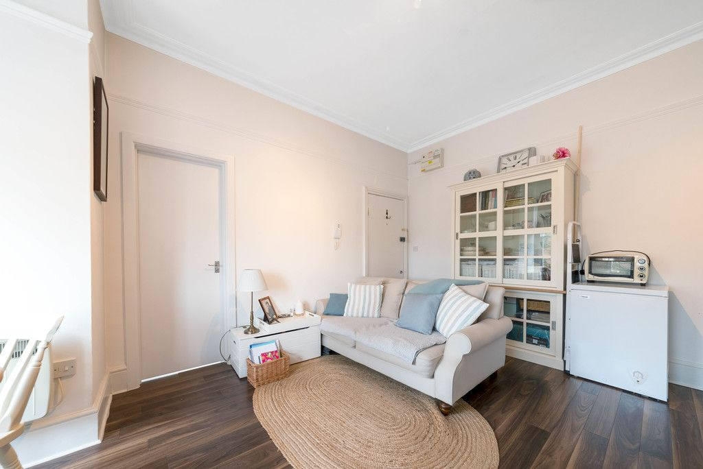 1 bed flat for sale in Rodway Road, Bromley 6