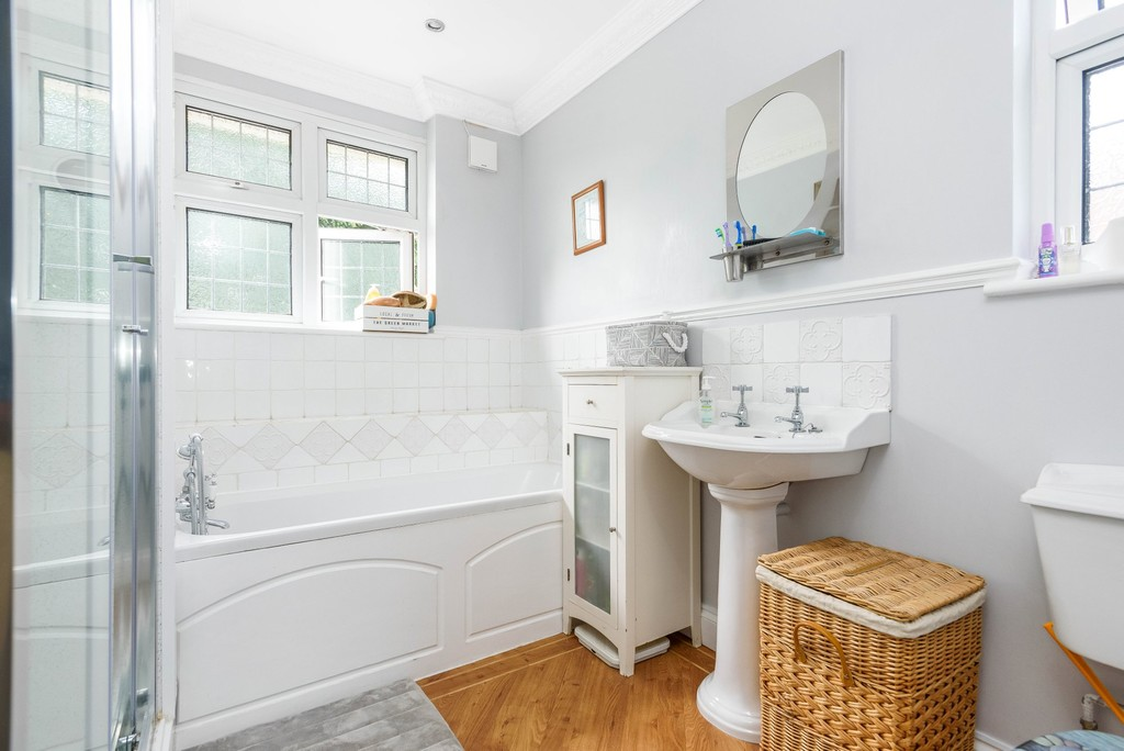 5 bed house for sale in Park Avenue  - Property Image 15