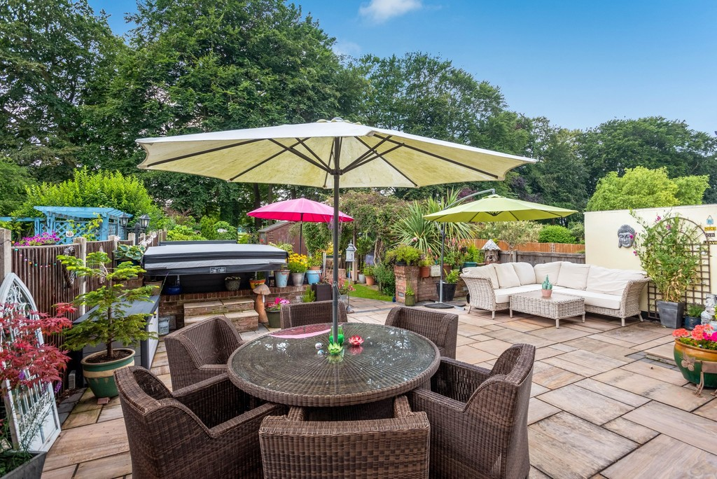 5 bed house for sale in Park Avenue 20