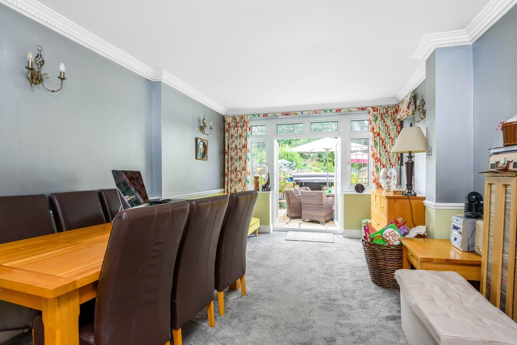 5 bed house for sale in Park Avenue  - Property Image 4