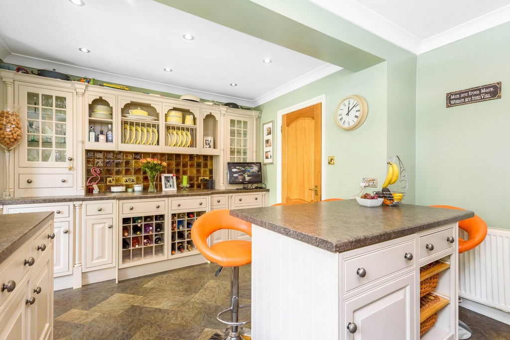 5 bed house for sale in Park Avenue 6