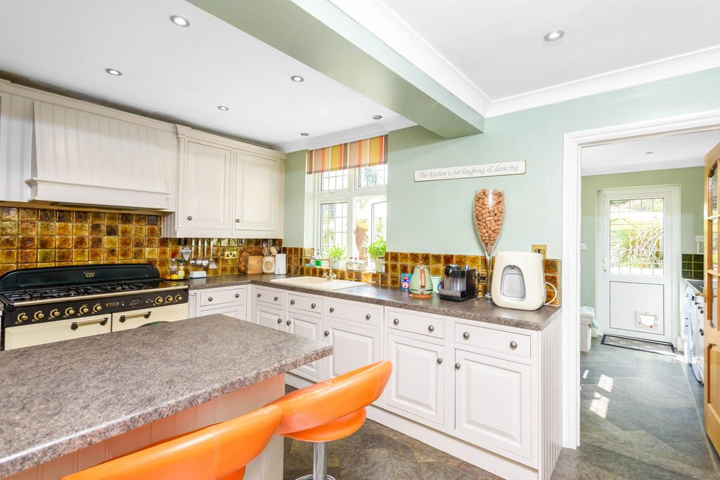 5 bed house for sale in Park Avenue 7