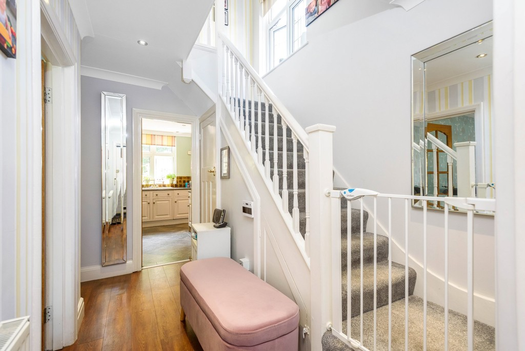 5 bed house for sale in Park Avenue 9