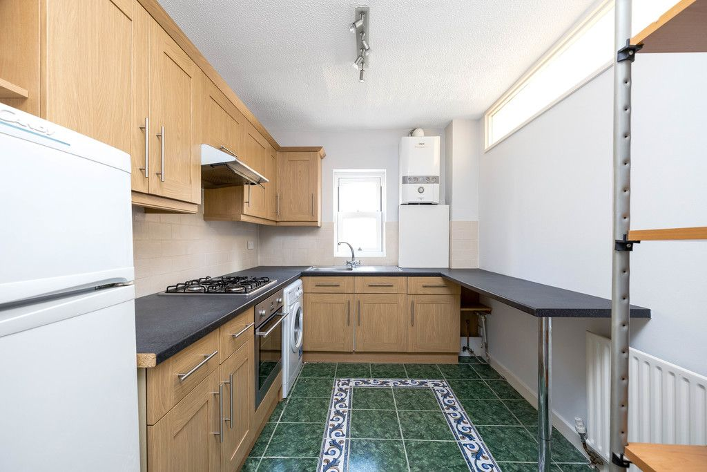2 bed flat to rent in Woodland Road, Gipsy Hill, London, SE19