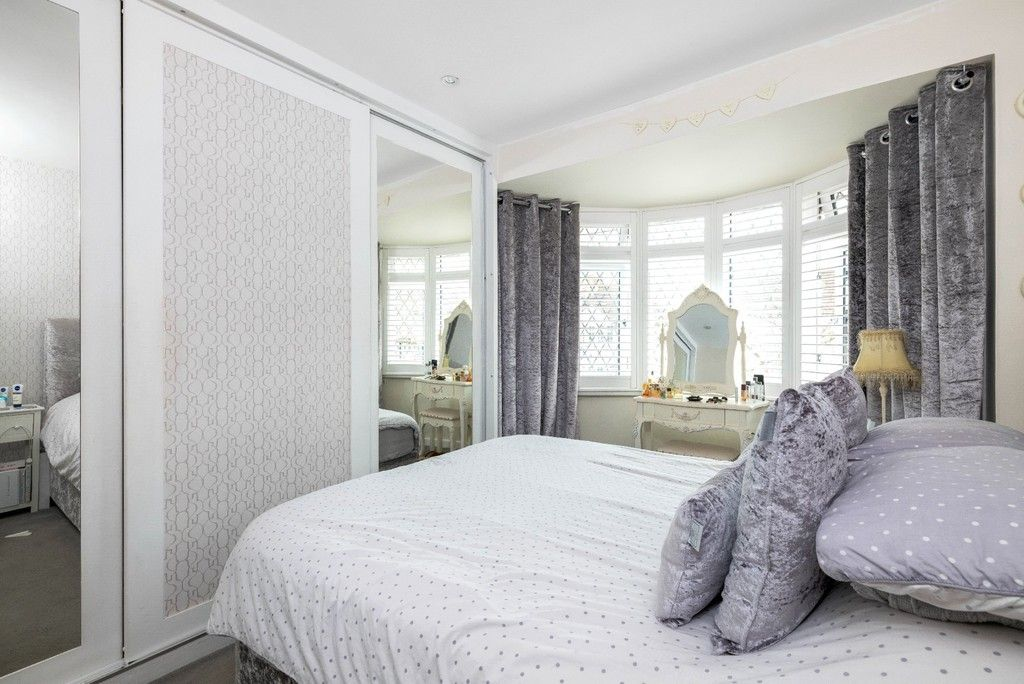 3 bed house for sale in Normanhurst Road 11