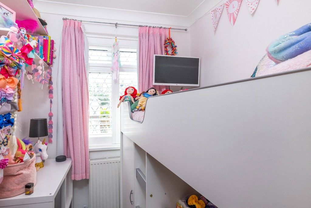 3 bed house for sale in Normanhurst Road  - Property Image 12